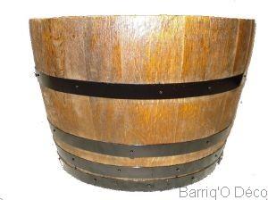 jardini res en bois pots de fleur tonneau. Black Bedroom Furniture Sets. Home Design Ideas