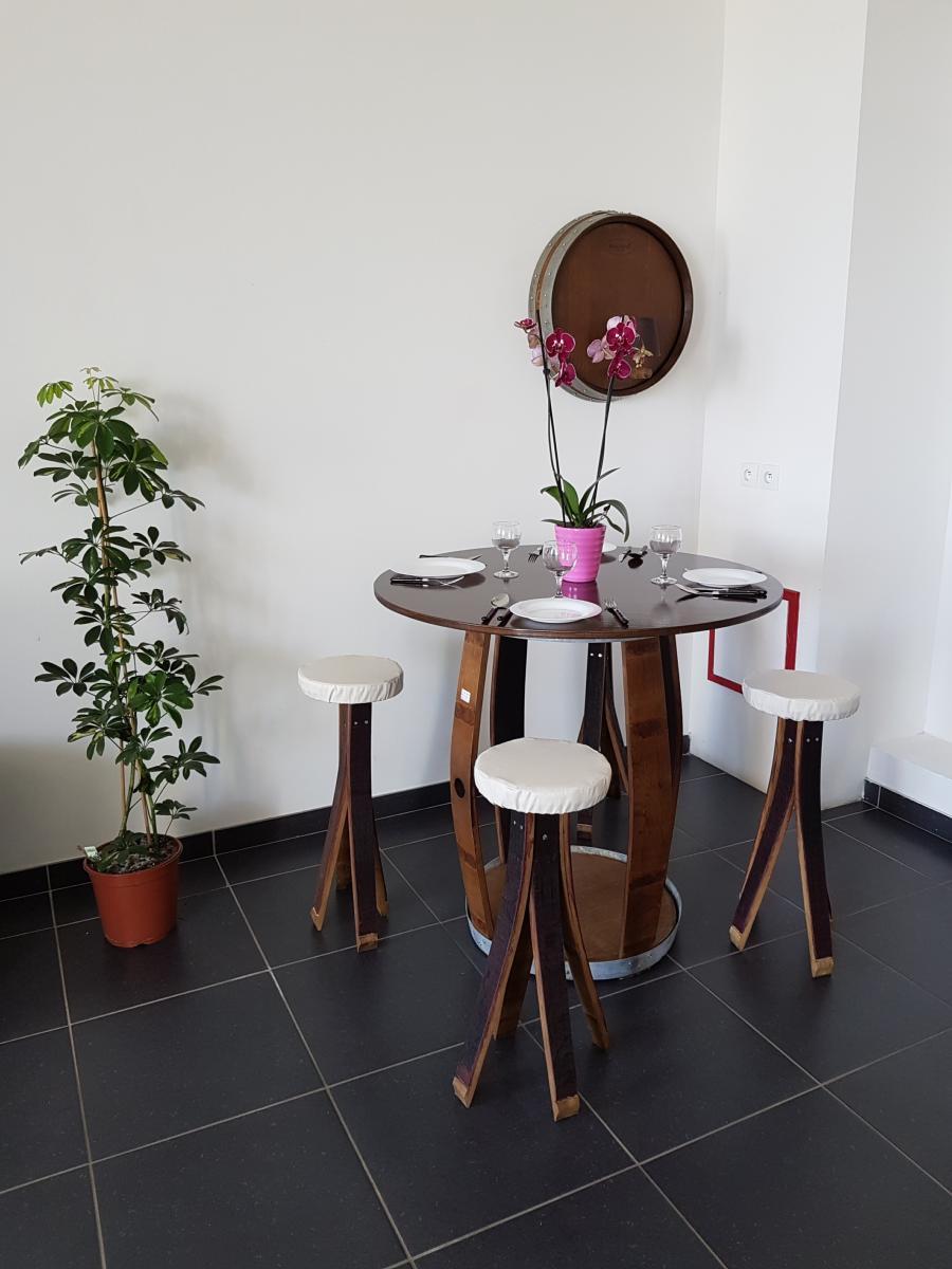 Table repas en tonneau barrique cr ation - Salon de jardin en barrique ...