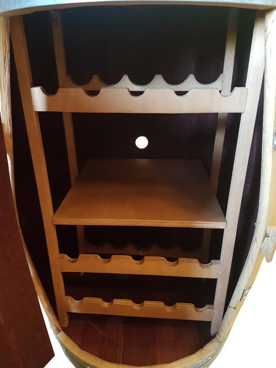 Meuble En Tonneau De Vin cave a vin barrique